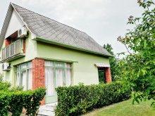 Cazare Balatonfenyves, Casa de vacanță Klára