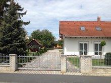 Szállás Balatonberény, KE-17: Gyermekbarát, igényesen berendezett 4-5-6 fős apartman