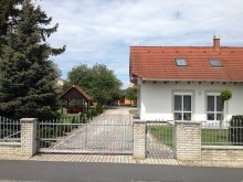 Szállás Balatonkeresztúr, KE-17: Gyermekbarát, igényesen berendezett 4-5-6 fős apartman