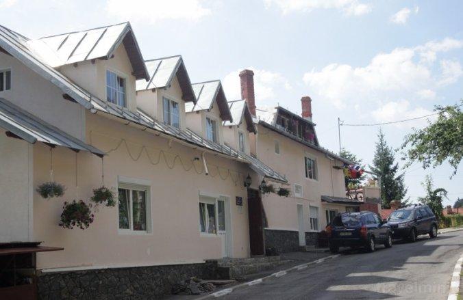 Casa Cristina Hosztel Bușteni
