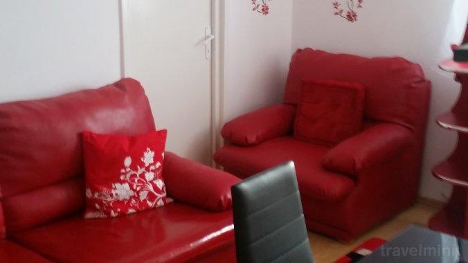 Apartament Red House Hunedoara