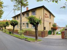 Accommodation Balatonlelle, Familia Vila