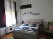 Cazare Mikepércs, Apartament Pásti Central