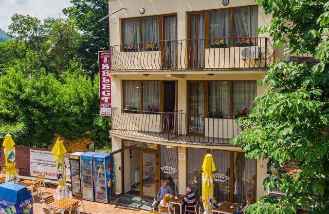 Select Guesthouse Băile Herculane