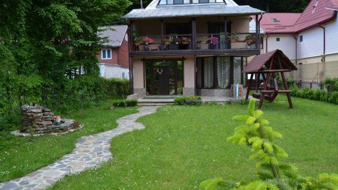 Rustic Vacation home Lepșa