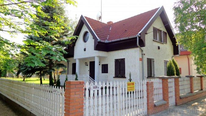Dobos Guesthouse Kiskunmajsa