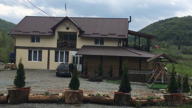 La Ionică Panzió Rozavlea