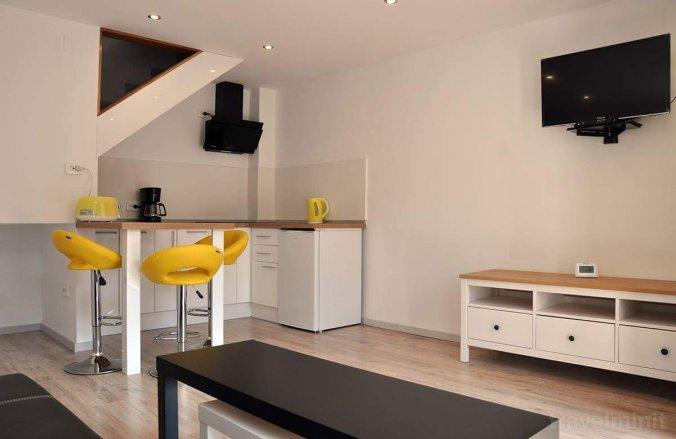 Central Yellow apartment Marosvásárhely