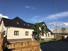 Cazare Satu Nou (Siculeni), Casa de oaspeți Famíves