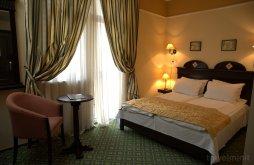 Hotel Karatsonyifalva (Ofsenița), Koronna Hotel