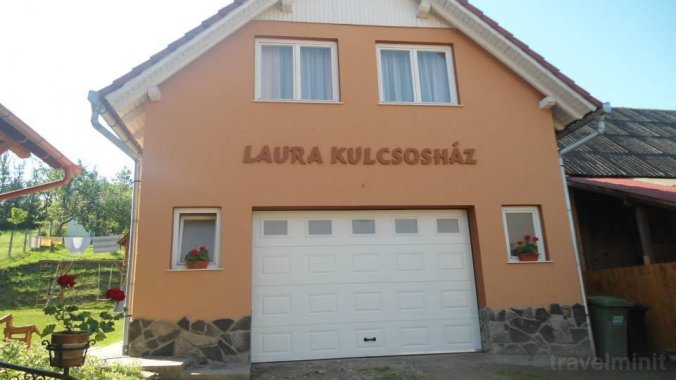 Vila Laura Bisericani