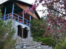 Chalet Mârghia de Jos, Coolcush Cabana & Garden