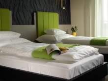 Hotel Tiszatenyő, Gokart Hotel
