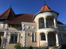 Cazare Zalacsány, Vila Admirál