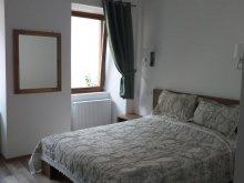 Accommodation Bârla, Green Central House