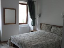Accommodation Beclean, Green Central House