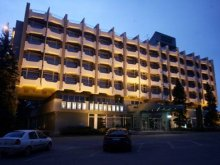 Apartman Rönök, Hotel Claudius