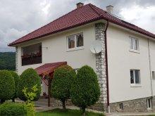 Pachet Nicolești (Ulieș), Pensiunea Floare de Colț