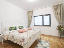 Cazare Muntenia, Apartament Parliament Suite 19