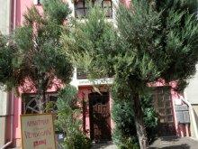 Apartament Egerbakta, Casa Napsugár