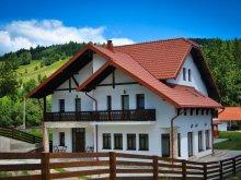 Cazare Vatra Moldoviței, Pensiunea Andaluz