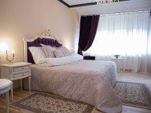 Accommodation Târgoviște, La Kastel Boutique Hotel