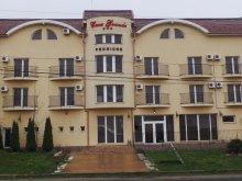 Apartman Șepreuș, Grande Panzió