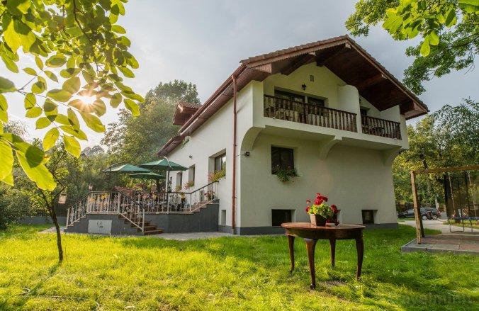 Casa din Plai Panzió Provița de Sus