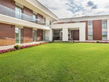 Accommodation Hajdú-Bihar county, Outlet Hotel
