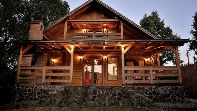 Hillside Haven Villa Parajd