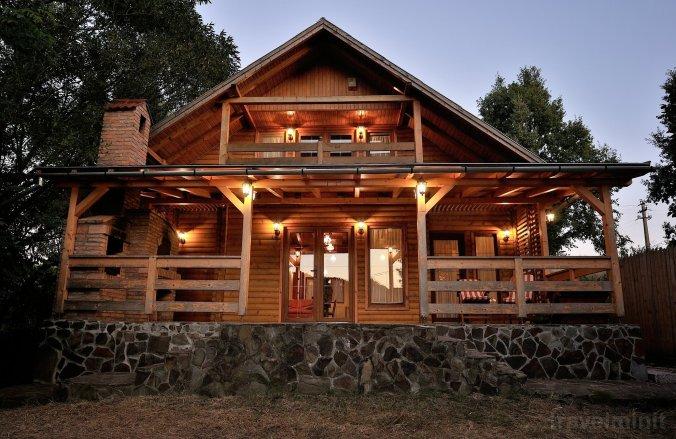 Hillside Haven Villa Praid