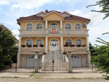 Accommodation Mădăraș Bath, Monica Guesthouse