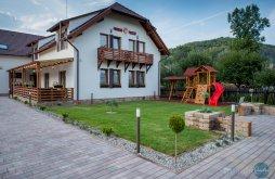 Accommodation Praid with Voucher de vacanță, Farkas B&B