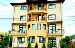 Apartman Roșu, Famous Villa
