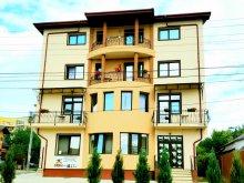 Vilă Bârgăuani, Casa Famous