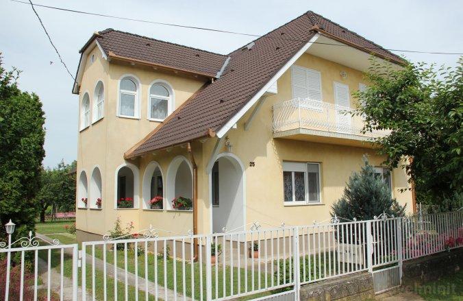 Rózsa Apartman II. Balatonboglár