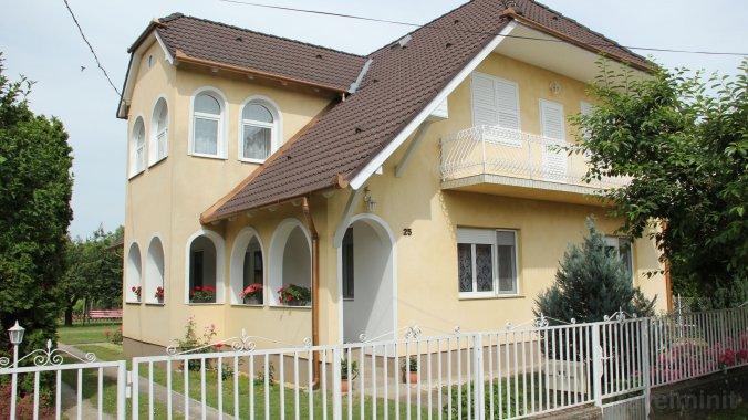 Rózsa Apartment II. Balatonboglar