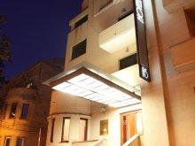 Hotel județul Timiș, Hotel Savoy