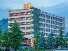 Hotel Băile Termale Tășnad, Hotel Carpați