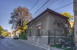 Bed & breakfast Romanian Design Week Bucharest, Motor House Unirii Guesthouse