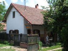 Apartament Tiszaörs, Casa de oaspeți Simon