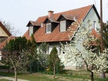 Casă de oaspeți județul Csongrád, Casa Gyula-Tanya