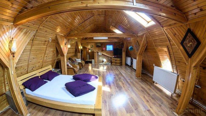 Wooden Attic Suite Apartment Brașov