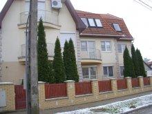 Apartament Ungaria, Apartament Margit (Szurmai)