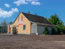 Accommodation Császártöltés, Trafó Guesthouse