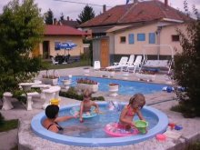 Accommodation Mórichida, Viktoria Guesthouse
