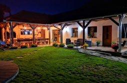 Kulcsosház Prod, Serene Village Hideaway