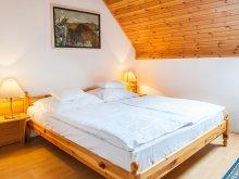 Bed & breakfast Lesencetomaj, Takács Apartmenthouse