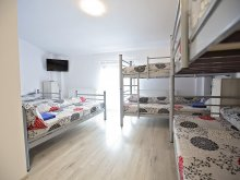 Hosztel Priseaca, IQ Hostel Yellow House