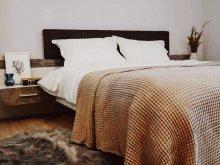 Accommodation Poiana Galdei, White Tulip Villa